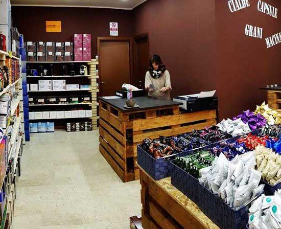 caffeina-store-punto-vendita-carvico-thumb-11
