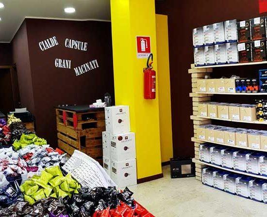 caffeina-store-punto-vendita-carvico-thumb-8