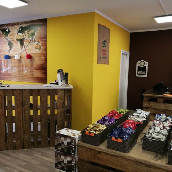 caffeina-store-punto-vendita-san-damiano-2